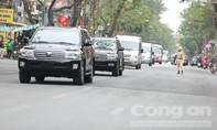 Đoàn xe chở an ninh bảo vệ ông Kim Jong-un về khách sạn Melia
