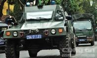 Nhiều xe bọc thép, xe chuyên dụng xuất hiện trên đường phố Hà Nội