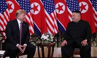 Lãnh đạo Mỹ - Triều tươi cười khi gặp nhau