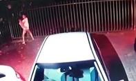 Clip người phụ nữ bế con nhỏ chống lại kẻ cướp có súng