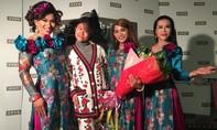 Khán giả quốc tế đón nhận đoàn lô tô của Việt Nam