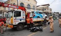 Kẻ ngáo đá lái xe tông 7 xe máy và ô tô, nhiều người bị thương