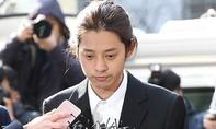 Jung Joon Young đến sở cảnh sát khai vụ tung clip sex