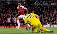 Aubameyang lập cú đúp, Arsenal ngược dòng tại Europa League