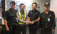 Sân bay Đà Nẵng trả lại 700 triệu đồng cho khách bỏ quên