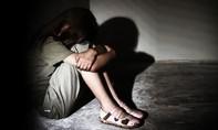 Vụ nữ sinh bị xâm hại tập thể gây rúng động: Hoãn phiên tòa