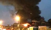 Cụ ông tử vong trong ngôi nhà 5 tầng cháy dữ dội