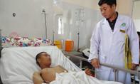 Hai bệnh viện cứu sống công nhân vệ sinh bị tai nạn vỡ đại tràng
