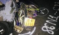 Ôtô tông xe máy qua đường, vợ chết chồng bị thương