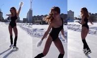 Clip hot girl Nga mặc bikini giữa trời lạnh âm 8 độ C gây tranh cãi