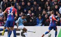 Sterling lập cú đúp, Man City hạ Crystal Palace