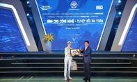 Việt Nam Grand Prix tặng 10.000 mũ bảo hiểm cho học sinh, sinh viên