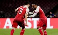 Hạ Napoli, Arsenal góp mặt tại bán kết Europa League