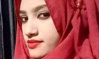 Nữ sinh bị thiêu sống vì tố thầy hiệu trưởng quấy rối tình dục