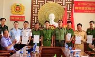 Khen thưởng Ban chuyên án phá vụ vận chuyển 30 ký ma túy