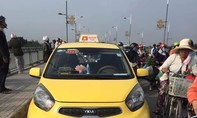 Tài xế taxi bỏ xe trên cầu, nhảy sông Đồng Nai tự tử