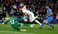 Real bị chia điểm, kém Barca 15 điểm