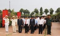 Công an TP.HCM dâng hương các anh hùng liệt sĩ