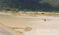 Đồng bằng sông Cửu Long: Lo rừng cháy, hồ trơ đáy