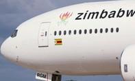 Clip động cơ Boeing 767 bốc cháy sau khi cất cánh