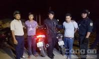 """""""Hiệp sĩ"""" bắt nhóm trộm xe rồi đưa sang Campuchia tiêu thụ"""