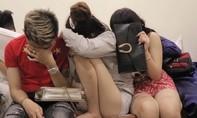 Gần 20 nam nữ thanh niên phê ma túy trong phòng trọ