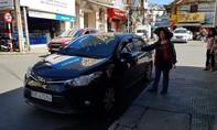 Gã người nước ngoài đi ô tô cướp tài sản, kéo lê nạn nhân 40 mét