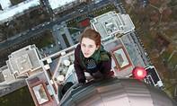 Thiếu nữ thoát chết hy hữu dù rơi từ tầng 10 khi chụp ảnh 'tự sướng'