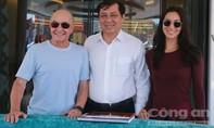 Tỷ phú, Chủ tịch CLB Tottenham Hotspur đến Đà Nẵng