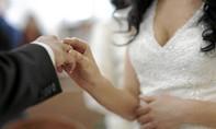 Phá đường dây kết hôn giả cực lớn do người gốc Việt cầm đầu