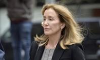 Nữ diễn viên Hollywood thoát án tù 20 năm vì 'chạy' trường cho con