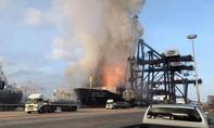 Clip tàu chở hóa chất ở Thái Lan cháy dữ dội, 130 người nhập viện