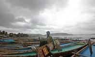 Gần 1 triệu người dân Ấn Độ di tản vì siêu bão