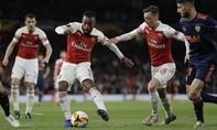 Clip trận Arsenal đánh bại Valencia với cách biệt hai bàn