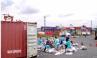 """Philippines đưa rác lên tàu trả về cho Canada sau màn """"khẩu chiến"""""""