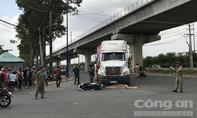 Xe container ôm cua tông xe máy ở Sài Gòn, một phụ nữ tử vong thương tâm