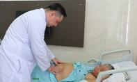Robot cắt bướu thận cứu cụ bà 70 tuổi từng 5 lần mổ bụng