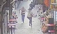 Clip kẻ tấn công bằng dao bị cảnh sát bắn hạ ở Jerusalem