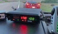 Thiếu niên phóng xe với tốc độ 170 km/h vì bị... đau bụng