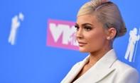 Kylie Jenner bị chỉ trích vì tổ chức bữa tiệc chủ đề tình dục