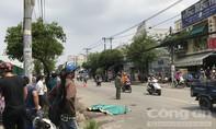 """Cán chết người, xe container """"vô tư"""" chạy thẳng vào nhà máy bia ở Sài Gòn"""