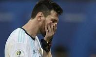 Messi ghi bàn trên chấm 11m, Argentina hòa may mắn Paraguay