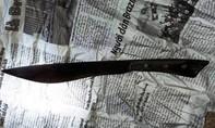 Chồng dùng dao thịt gà làm đám giỗ đâm vợ tử vong