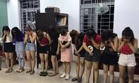 """Hàng chục nam thanh nữ tú tổ chức """"tiệc"""" ma tuý"""