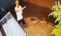 Truy bắt đối tượng liều lĩnh dùng búa đập tủ kính cướp tiệm vàng