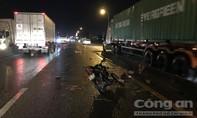 """Sau tai nạn chết người, tài xế """"thản nhiên"""" lái xe tải bỏ đi"""