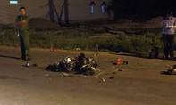Hai xe máy đối đầu, một người chết, ba người bị thương