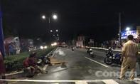 Xe container tông xe máy, hai người đi xin việc làm thương vong