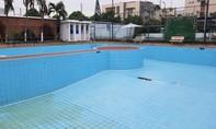 Cận cảnh hồ bơi ở khách sạn 3 sao khiến 2 em nhỏ chết đuối