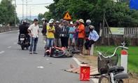 Tránh xe đạp, xe máy tông vào cọc tiêu, 1 thanh niên tử vong